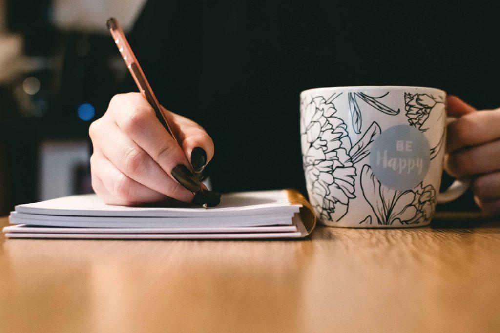 Machen Sie sich vorher mit dem Stil und der Schreibweise des Blogs vertraut